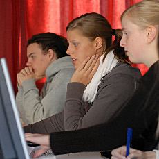 Die Fachhochschulreife bietet Dir den Zugang für ein Fachhochschul-, Gesamthochschulstudium oder Hochschulstudium